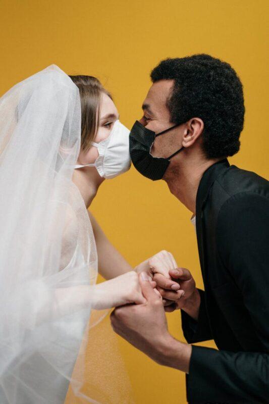 Amor de lejos, el noviazgo en tiempos del COVID